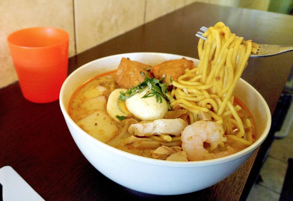 Laksa at Hawkers Delight | tryhiddengems.com
