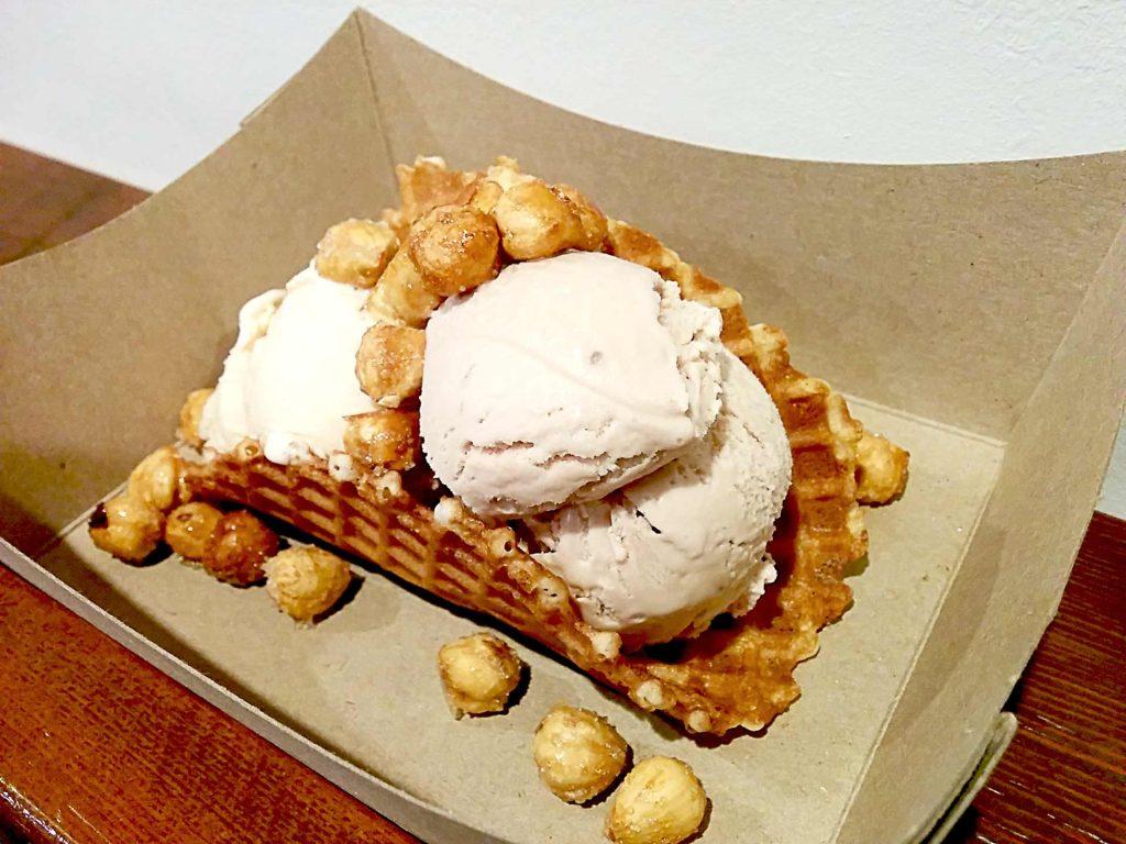 Ice Cream Taco at Rain or Shine   tryhiddengems.com