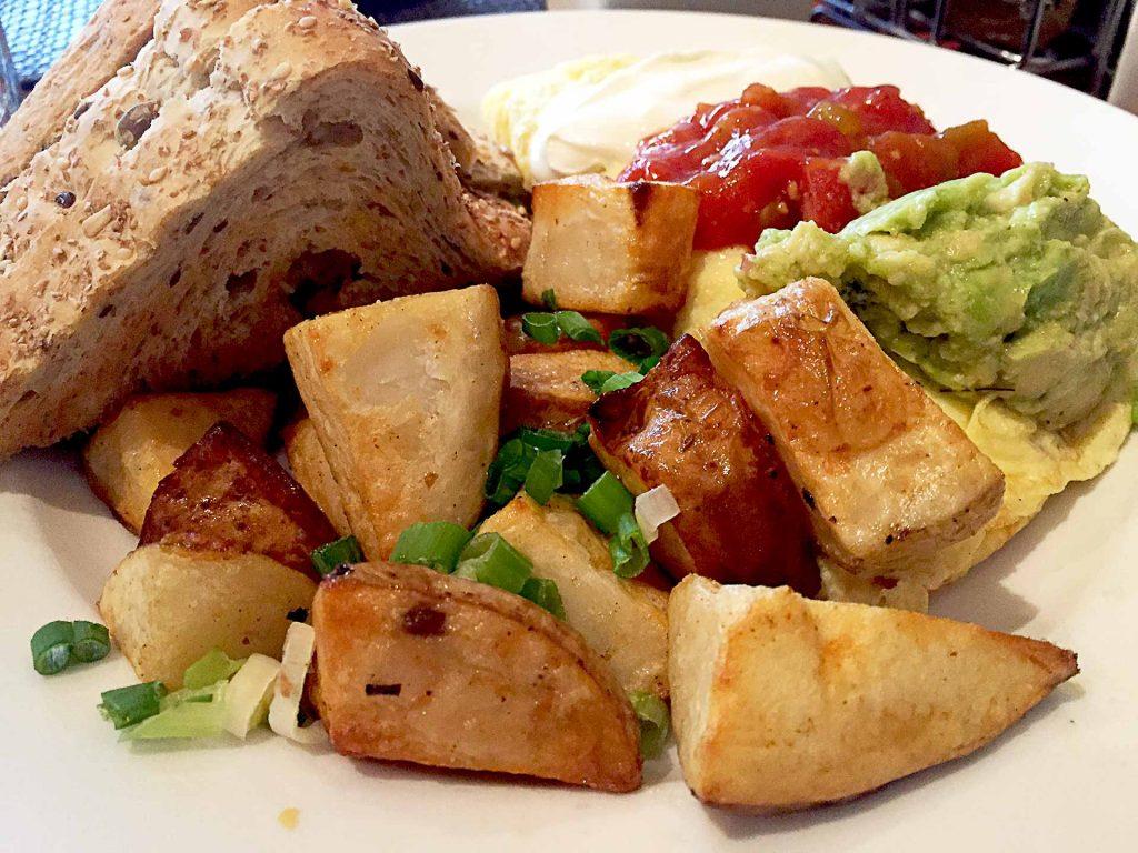 Mexican Omlette at Cindy's | tryhiddengems.com