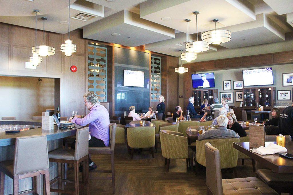 Pat Quinn's Golf Club - High End Bar Restaurant - Tsawwassen - Vancouver