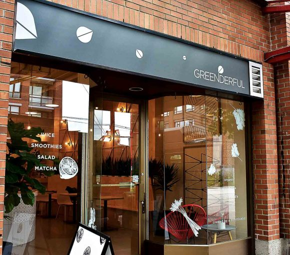 Greenderful Juice and Salad - Canadian Health Conscious Cafe - Chinatown - Vancouver