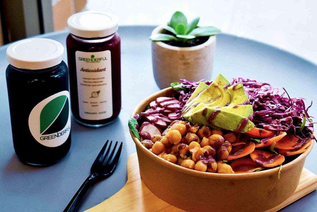 The Rainbow Bowl at Greenderful Juice and Salad | tryhiddengems.com